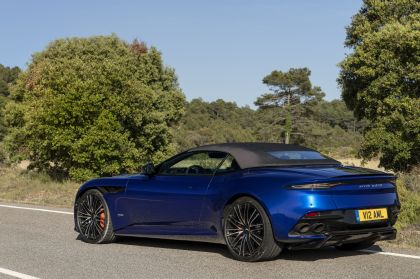 2019 Aston Martin DBS Superleggera Volante 76