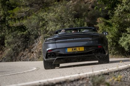 2019 Aston Martin DBS Superleggera Volante 201