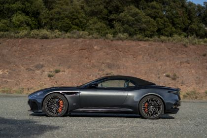 2019 Aston Martin DBS Superleggera Volante 226