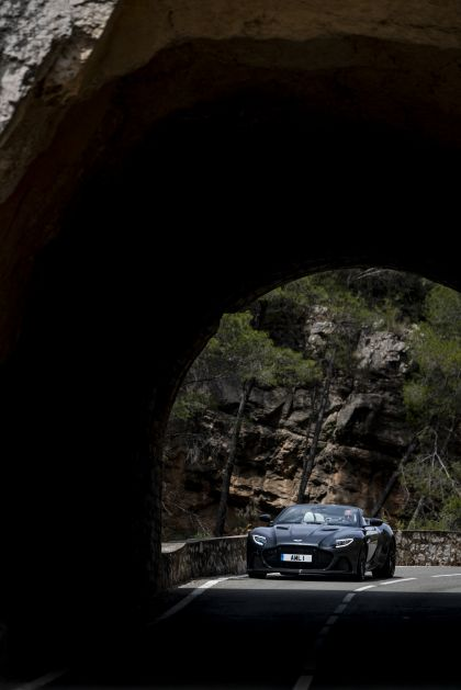 2019 Aston Martin DBS Superleggera Volante 282