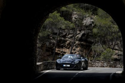 2019 Aston Martin DBS Superleggera Volante 284