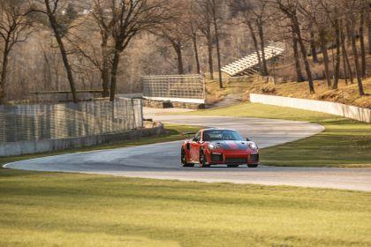 2019 Porsche 911 ( 991 type II ) GT2 RS - lap record 4