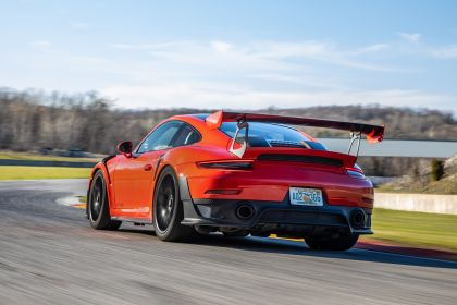 2019 Porsche 911 ( 991 type II ) GT2 RS - lap record 10