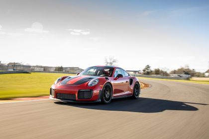 2019 Porsche 911 ( 991 type II ) GT2 RS - lap record 14