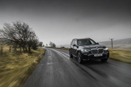2019 BMW X7 xDrive 30d - UK version 5