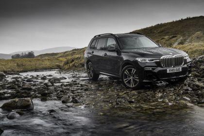 2019 BMW X7 xDrive 30d - UK version 10