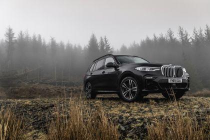 2019 BMW X7 xDrive 30d - UK version 14