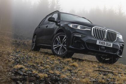 2019 BMW X7 xDrive 30d - UK version 15