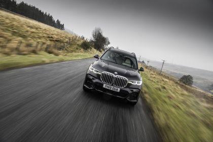 2019 BMW X7 xDrive 30d - UK version 17