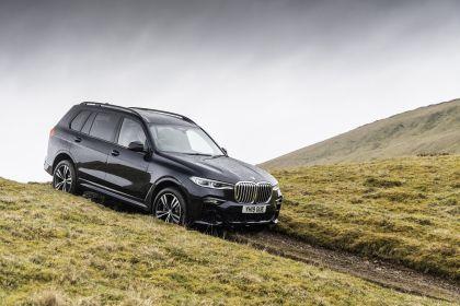 2019 BMW X7 xDrive 30d - UK version 18