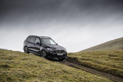2019 BMW X7 xDrive 30d - UK version 24