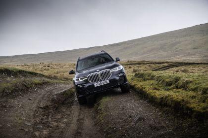 2019 BMW X7 xDrive 30d - UK version 25