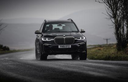 2019 BMW X7 xDrive M50d - UK version 2