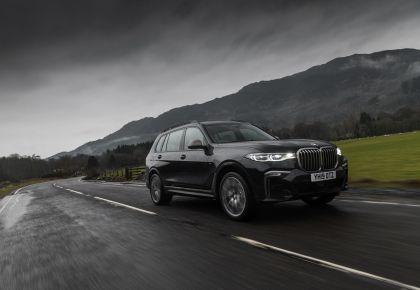 2019 BMW X7 xDrive M50d - UK version 3