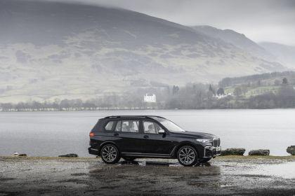 2019 BMW X7 xDrive M50d - UK version 4