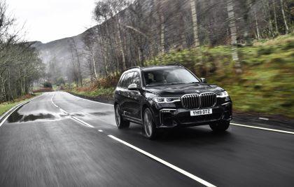 2019 BMW X7 xDrive M50d - UK version 16