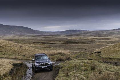 2019 BMW X7 xDrive M50d - UK version 30