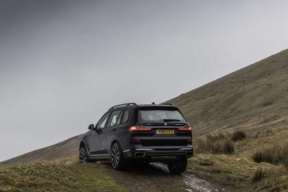 2019 BMW X7 xDrive M50d - UK version 32
