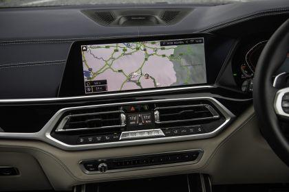 2019 BMW X7 xDrive M50d - UK version 43