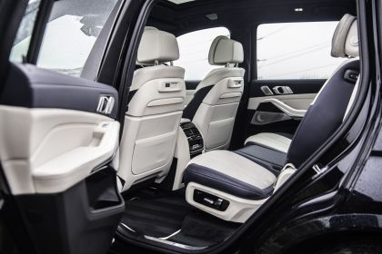 2019 BMW X7 xDrive M50d - UK version 55
