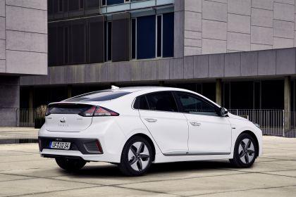 2019 Hyundai Ioniq Hybrid 2