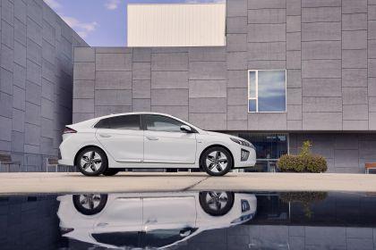 2019 Hyundai Ioniq Hybrid 3