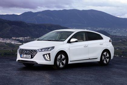 2019 Hyundai Ioniq Hybrid 4