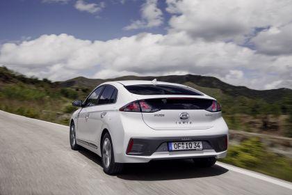 2019 Hyundai Ioniq Hybrid 6