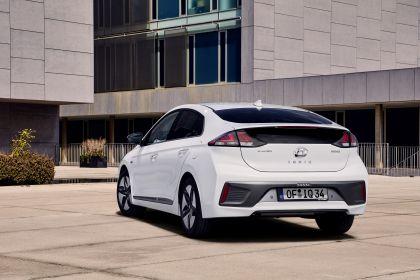 2019 Hyundai Ioniq Hybrid 8
