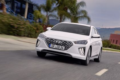 2019 Hyundai Ioniq Hybrid 10