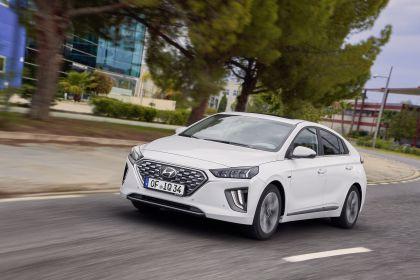 2019 Hyundai Ioniq Hybrid 16