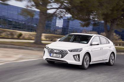 2019 Hyundai Ioniq Hybrid 17