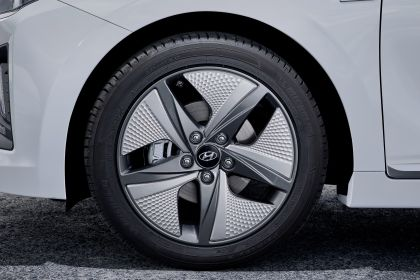 2019 Hyundai Ioniq Hybrid 20