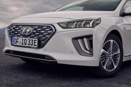 2019 Hyundai Ioniq Plug-In 16