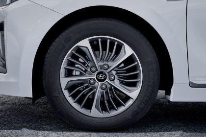 2019 Hyundai Ioniq Plug-In 17