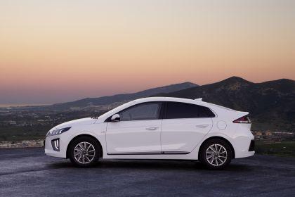 2019 Hyundai Ioniq Electric 2