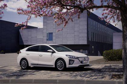 2019 Hyundai Ioniq Electric 4