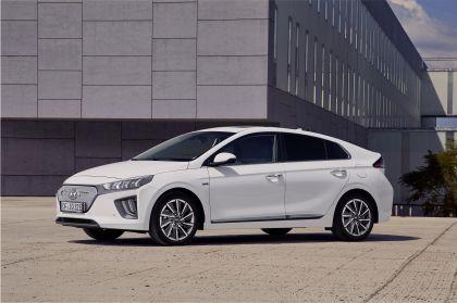 2019 Hyundai Ioniq Electric 7