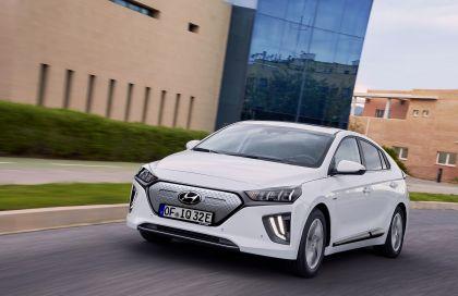 2019 Hyundai Ioniq Electric 11
