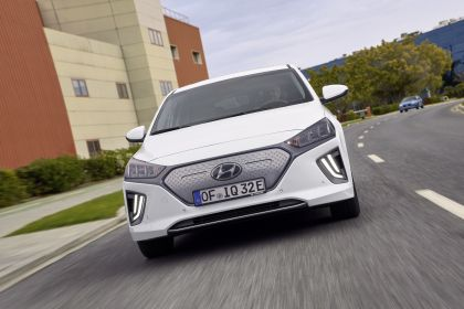 2019 Hyundai Ioniq Electric 12