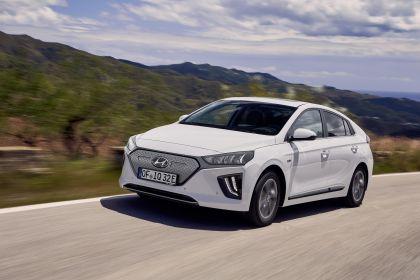 2019 Hyundai Ioniq Electric 19