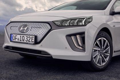 2019 Hyundai Ioniq Electric 21