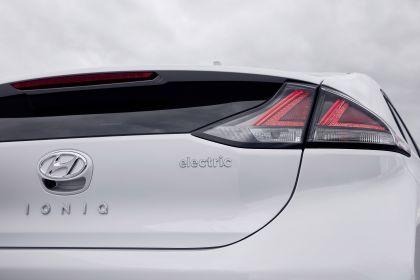 2019 Hyundai Ioniq Electric 23