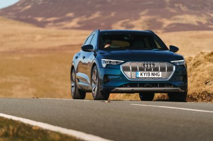 2019 Audi e-Tron - UK version 25