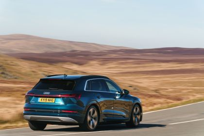 2019 Audi e-Tron - UK version 33