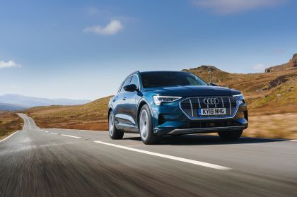 2019 Audi e-Tron - UK version 53