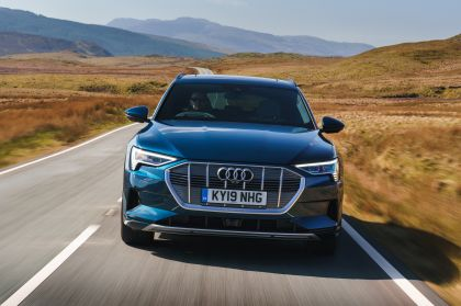 2019 Audi e-Tron - UK version 59