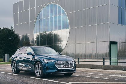 2019 Audi e-Tron - UK version 61