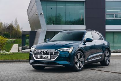 2019 Audi e-Tron - UK version 68