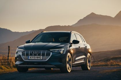 2019 Audi e-Tron - UK version 90